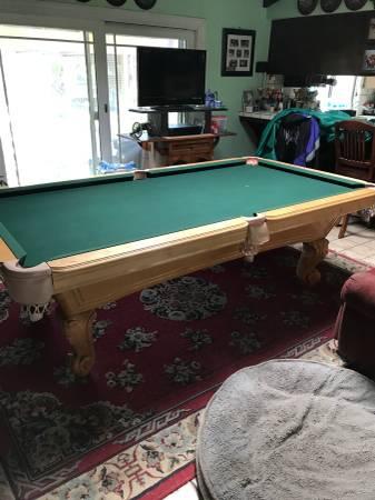 Solo 174 Elk Grove Beautiful Pool Table 84