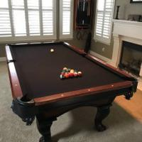 Pool Table 8' With Accessories